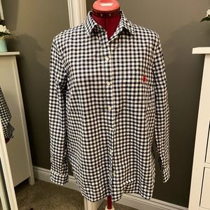 🌿2/20$ NWOT Gingham Shirt with Heart Embroidery